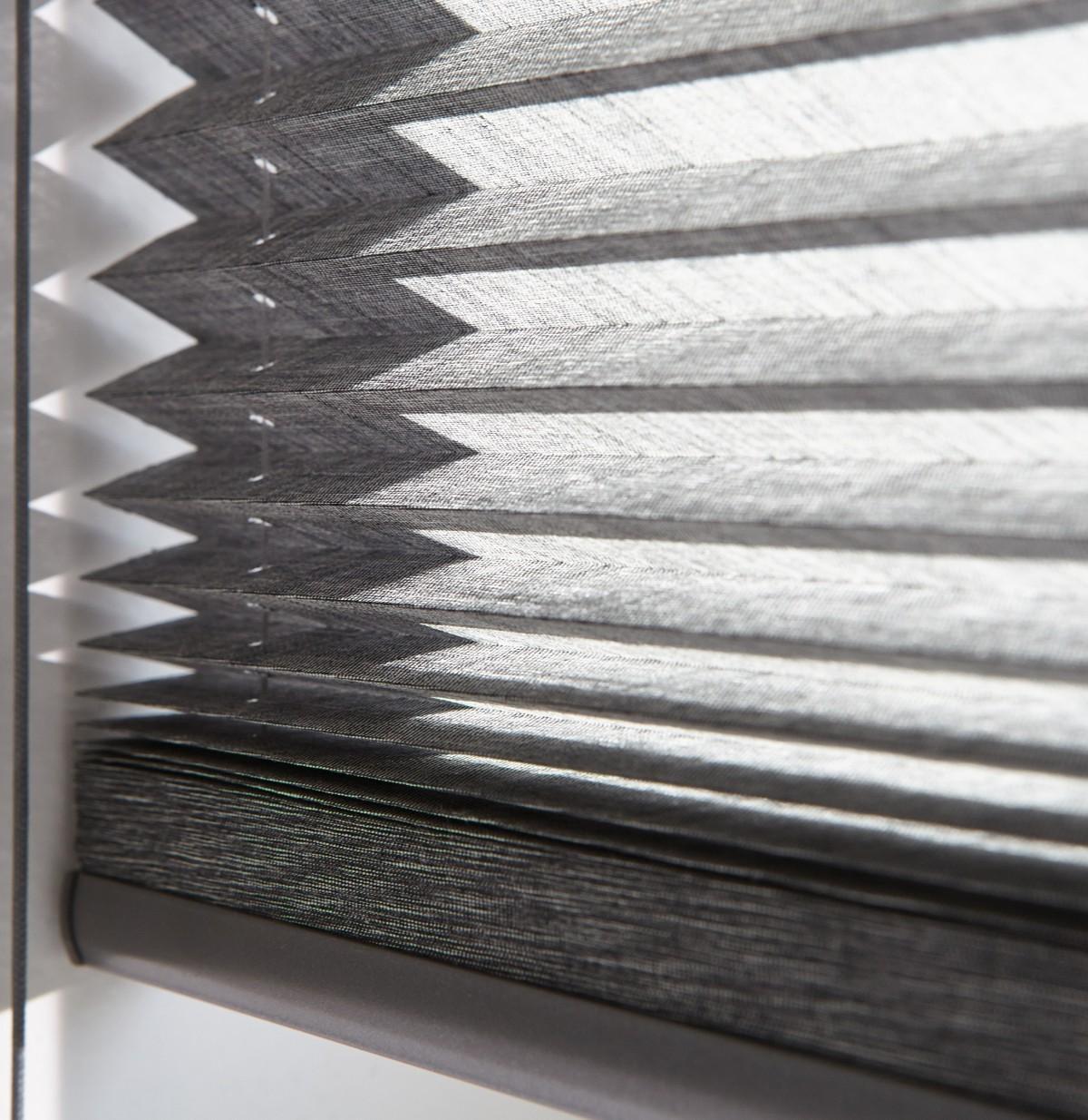 Luxaflex 20mm Transparent Plisse Blind